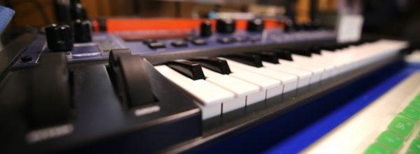 【DTMの低価格化】作曲ブームと副業作曲家のススメ